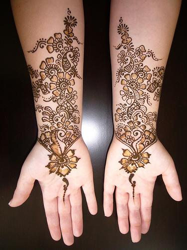 رسوم حناء العروس - نقوش جديدة ومبتكرة لحنة العروس - نقوش حنة 2012 بالصور heena2.jpg